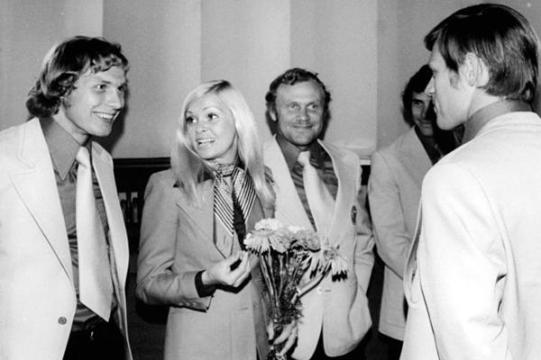 Gerd Kische Nina Lizell Bernd Bransch DDR Nationalmannschaft Friedrichstadtpalast Berlin 1974
